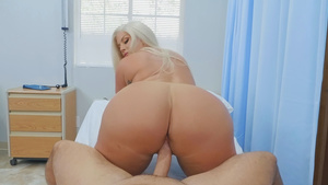 Big assed Julie Cash rides cock ind her ass bouncing in free nude movies!